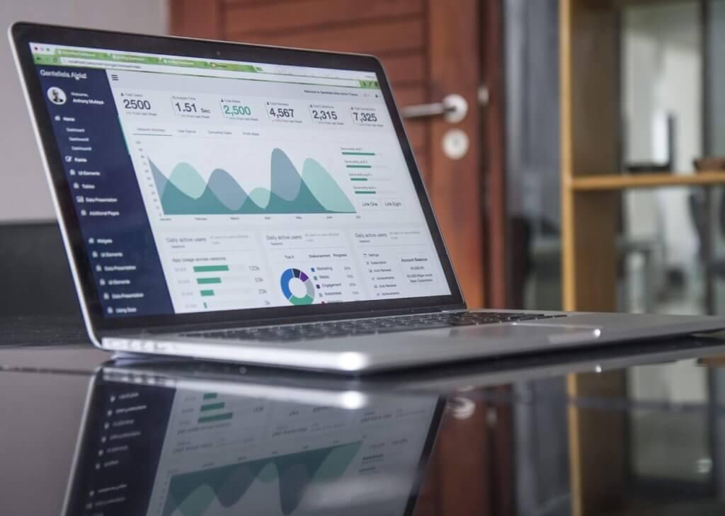 ウェブ集客とマーケティングの画像